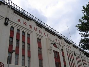800px-Arsenal_Stadium_Highbury_east_facade