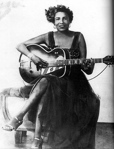 Memphis Minnie, from the other side of the mirror