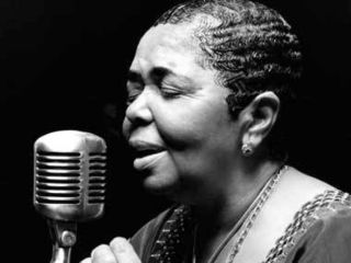 """cesaria evora"" ""the barefoot diva"" ""barefoot diva"" ""from the other side of the mirror"""
